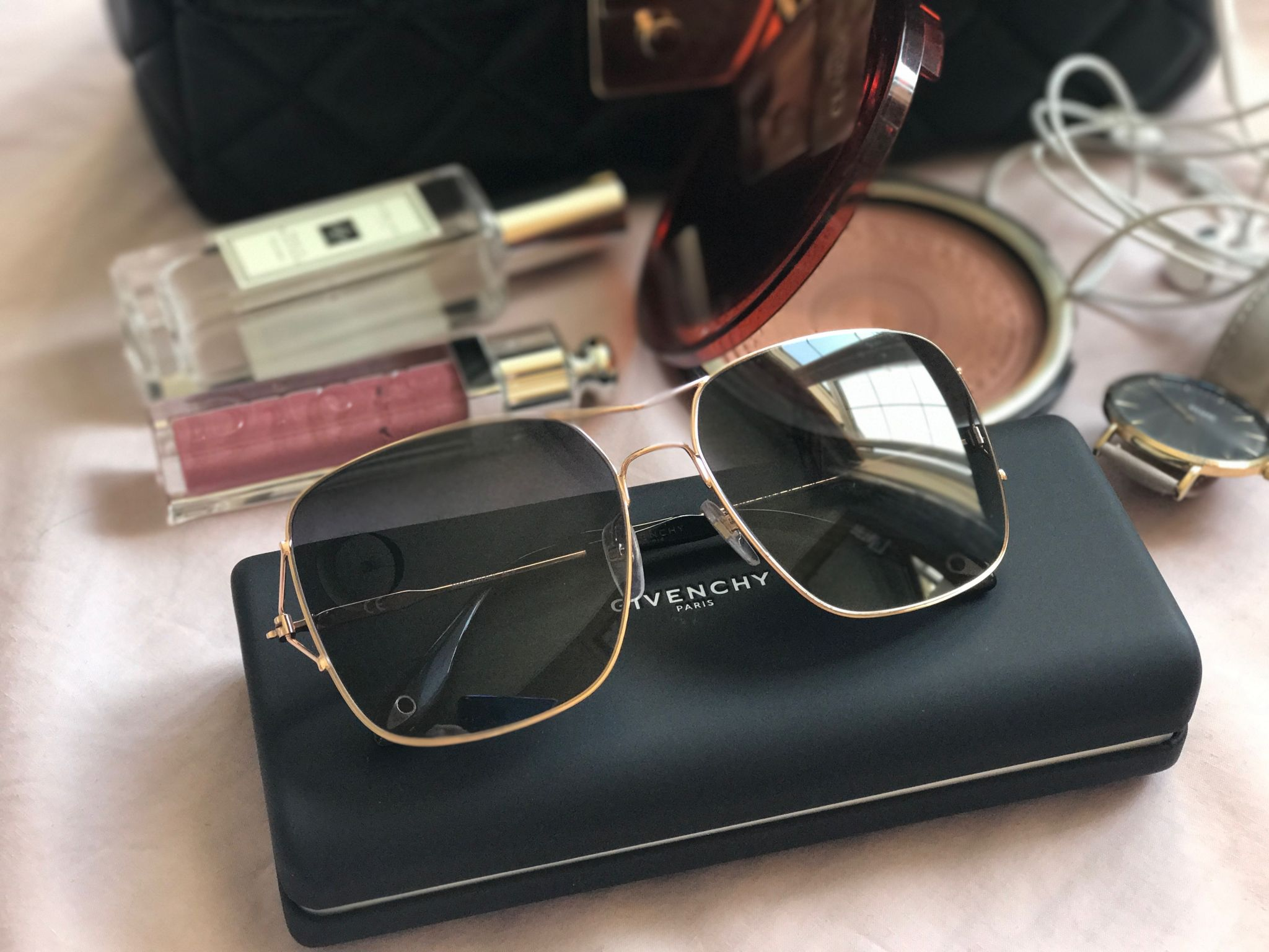 1b91058fff Review    SmartBuy Glasses - Givenchy    RayBan    Persol - LifeDaily